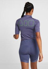 Nike Performance - AIR - Print T-shirt - sanded purple/black - 2