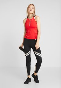 Nike Performance - CAPSULE ELASTIKA TANK  - T-shirt sportiva - university red/metallic silver