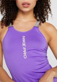 Nike Performance - CAPSULE ELASTIKA TANK  - Funktionströja - psychic purple/metallic silver - 5