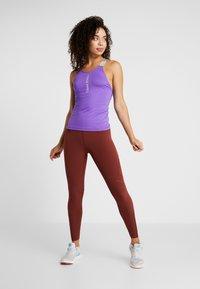 Nike Performance - CAPSULE ELASTIKA TANK  - Funktionströja - psychic purple/metallic silver - 1