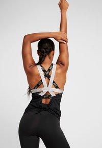 Nike Performance - CAPSULE ELASTIKA TANK  - Sports shirt - black/metallic silver - 2