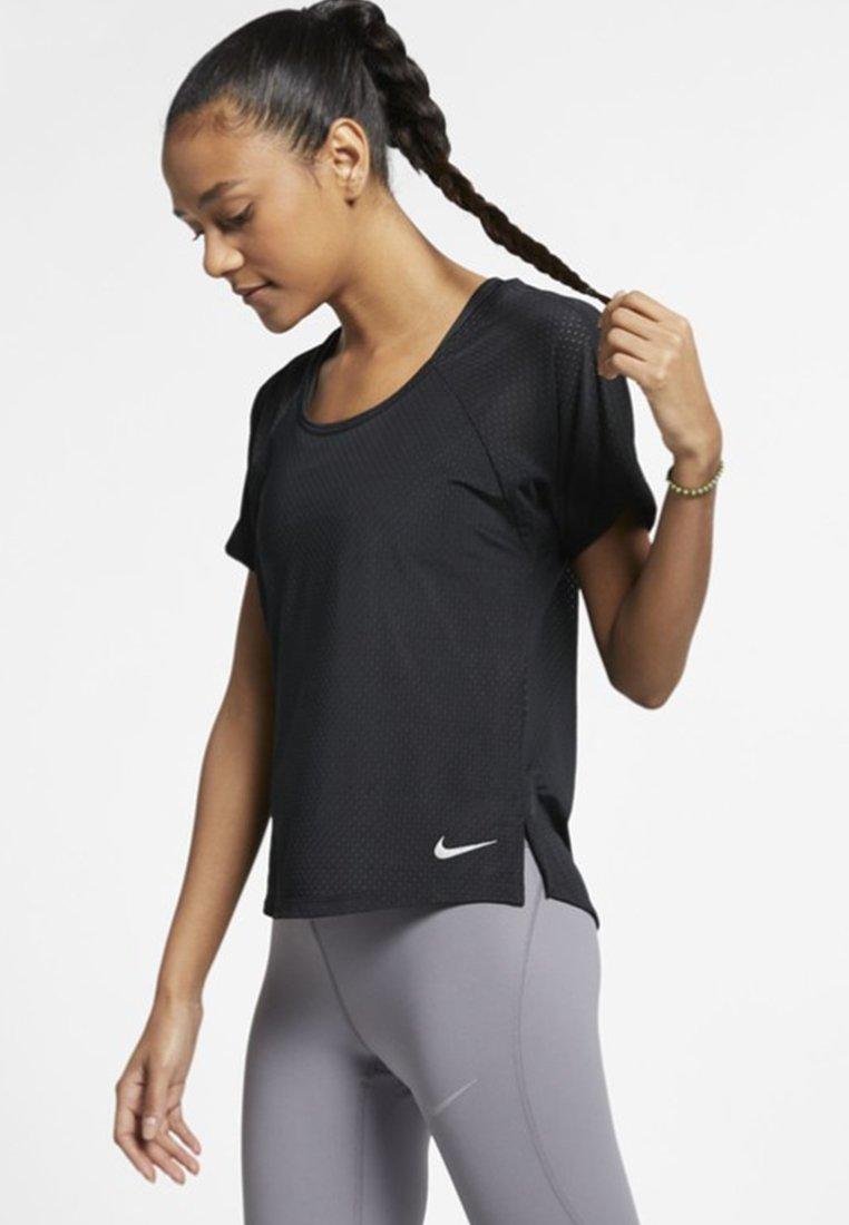 Nike Performance - BREATHE - T-shirt z nadrukiem - black