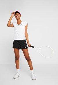 Nike Performance - DRY - Jednoduché triko - white - 1