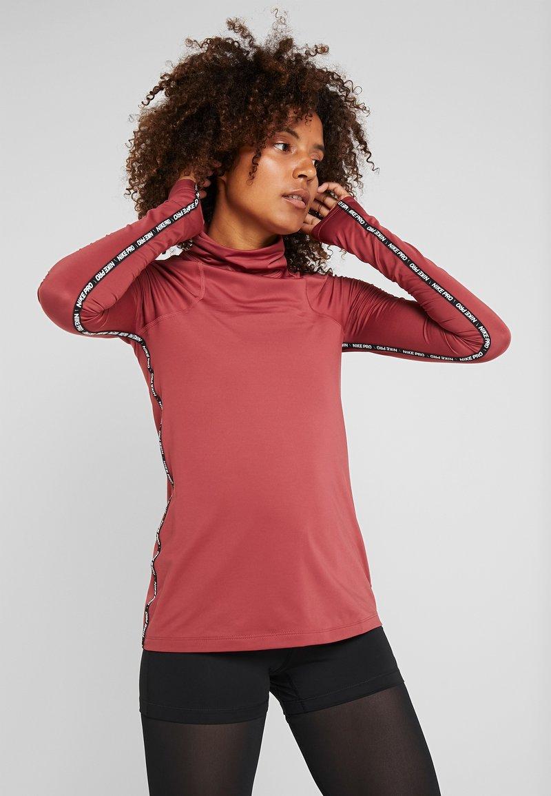 Nike Performance - Funktionsshirt - cedar/red bronze
