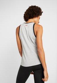 Nike Performance - DRY TANK GLAM DUNK - T-shirt sportiva - darkgrey heather/black - 2