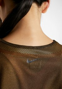 Nike Performance - ICON TANK - Camiseta de deporte - wheat/club gold/black - 4