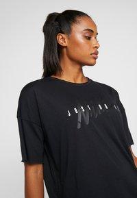 Nike Performance - DRY - T-shirt z nadrukiem - black/white - 3