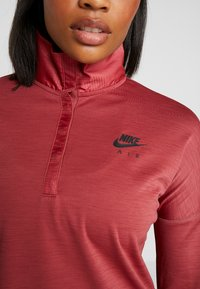 Nike Performance - TOP MIDLAYER AIR - Koszulka sportowa - cedar/black - 7