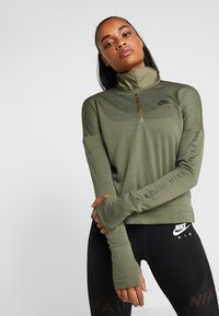 Nike Performance - TOP MIDLAYER AIR - T-shirt de sport - medium olive/black - 0