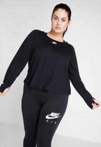 Nike Performance - AIR PLUS - Koszulka sportowa - black/white - 0