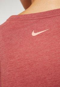 Nike Performance - DRY TANK YOGA  - T-shirt de sport - dark red - 6
