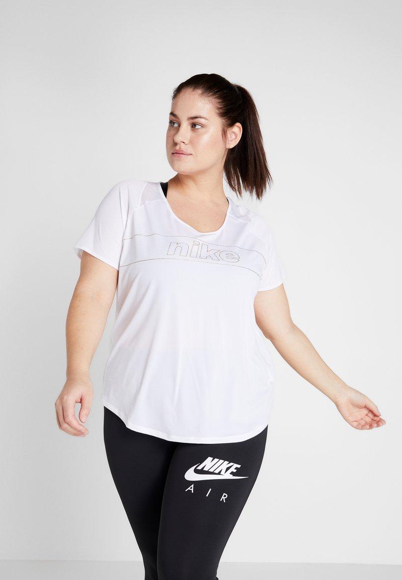 Nike Performance - TOP GLAM PLUS - Triko spotiskem - white/metallic gold