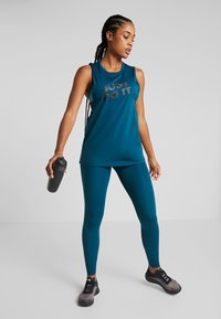 Nike Performance - MARBLE LOOSE TANK - Treningsskjorter - midnight turq/black - 1