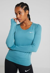 Nike Performance - INFINITE TOP  - Camiseta de deporte - mineral teal/reflective silver - 0