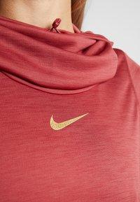 Nike Performance - GLAM MIDLAYER - Camiseta de deporte - cedar/metallic gold - 5