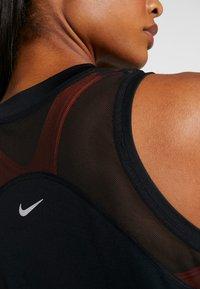 Nike Performance - DRY MILER TANK - Funkční triko - black/metallic silver - 6