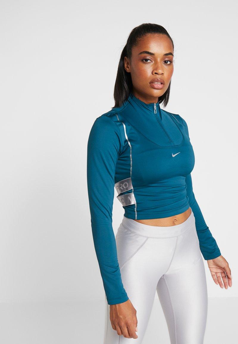 Nike Performance - HYPERWARM - Funkční triko - midnight turquoise/metallic silver