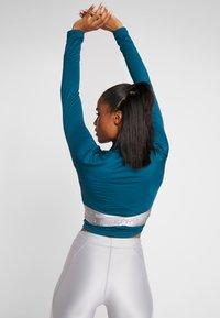 Nike Performance - HYPERWARM - Funkční triko - midnight turquoise/metallic silver - 2