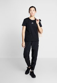 Nike Performance - AIR TOP - Print T-shirt - black - 1
