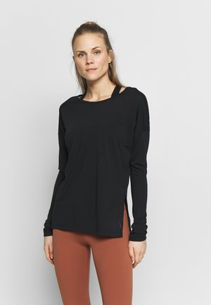 YOGA LAYER TOP - Funkční triko - black
