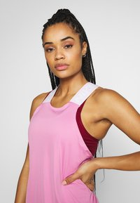 Nike Performance - DRY ELASTIKA TANK - Sportshirt - magic flamingo - 3
