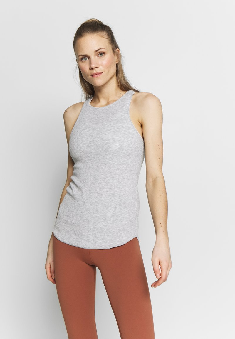 Nike Performance - W NK YOGA LUXE RIB TANK - Débardeur - grey heather/platinum tint