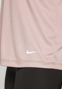 Nike Performance - DRY ELASTIKA - Sports shirt - smokey mauve/white/pure platinum - 5
