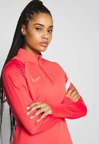 Nike Performance - DRY - Fleece jumper - track red/washed coral - 3