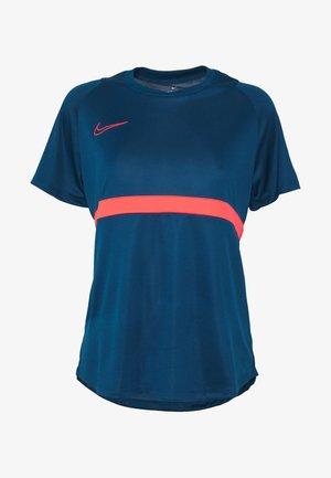 DRY - T-shirt print - valerian blue/laser crimson