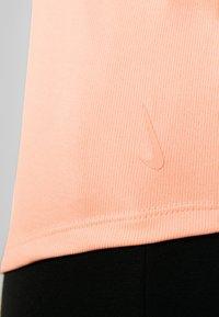 Nike Performance - YOGA STRAPPY TANK - Sportshirt - washed coral - 5