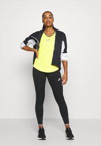Nike Performance - AIR TANK - Treningsskjorter - opti yellow/reflective silver - 1