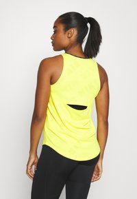 Nike Performance - AIR TANK - Treningsskjorter - opti yellow/reflective silver - 2