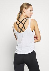 Nike Performance - YOGA RUCHE TANK - Camiseta de deporte - summit white - 2