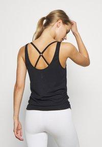 Nike Performance - YOGA RUCHE TANK - Sportshirt - black - 2