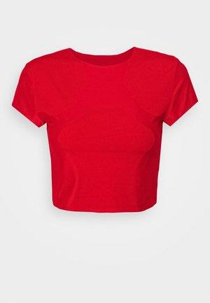 CITY RUN - Camiseta estampada - university red