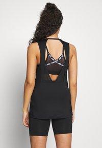 Nike Performance - TANK ESSENTIAL - Treningsskjorter - black - 2