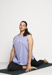 Nike Performance - DRY TANK - Camiseta de deporte - light thistle - 1