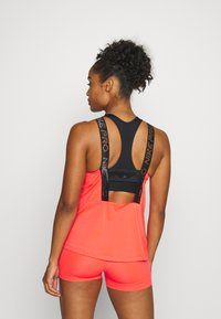 Nike Performance - ELASTIKA TANK - Funktionsshirt - laser crimson/black/metallic silver - 2