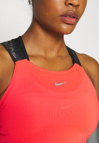 Nike Performance - ELASTIKA TANK - Funktionsshirt - laser crimson/black/metallic silver - 4