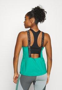 Nike Performance - ELASTIKA TANK - T-shirt sportiva - neptune green/black/metallic silver - 2