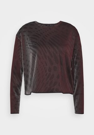 RUN  - Long sleeved top - black/team red
