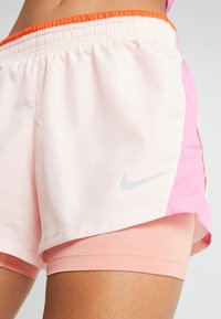 Nike Performance - 10K 2IN1 SHORT - Träningsshorts - echo pink/china rose/cosmic clay/wolf grey - 4