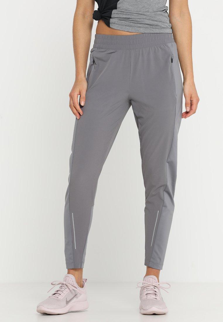 Nike Performance - RUN PANT - Pantaloni sportivi - gunsmoke/reflective silver