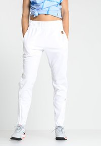 Nike Performance - Pantalon de survêtement - white - 0