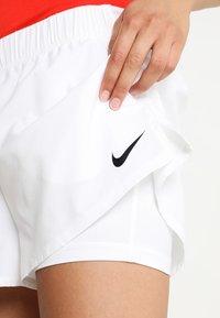 Nike Performance - FLEX SHORT - Krótkie spodenki sportowe - white/black - 5