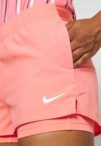 Nike Performance - FLEX SHORT - Pantalón corto de deporte - sunblush/white - 4