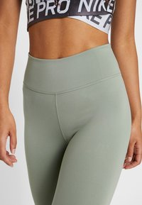 Nike Performance - NIKE ONE TIGHT CAPRI - Punčochy - jade stone/black - 5