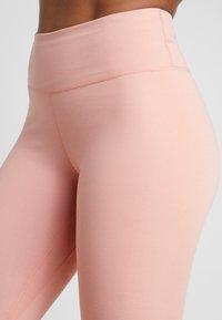 Nike Performance - ONE - Punčochy - pink quartz/black - 5