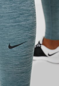 Nike Performance - ONE - Collant - midnight turqoise/ocean cube/black - 5