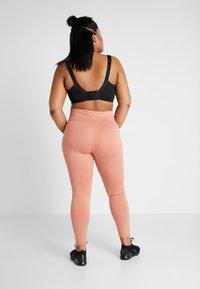 Nike Performance - ONE PLUS - Punčochy - dusty peach/black - 2